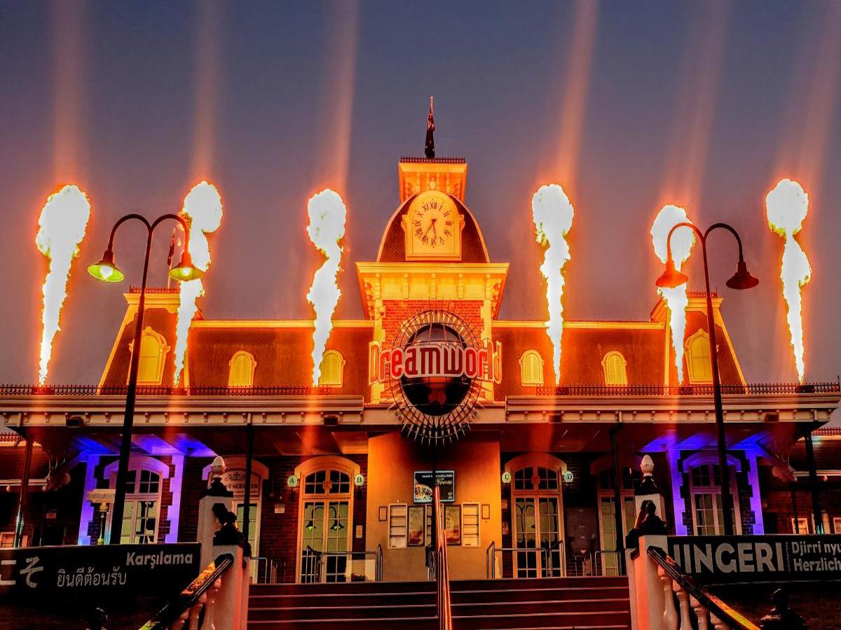 Dreamworld Park After Dark: Winterfest Night