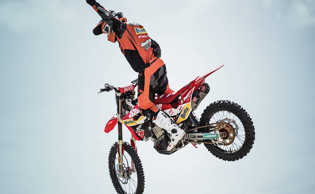 Daily FMX Stunt Shows at Wet N Wild Summer 2019/2020